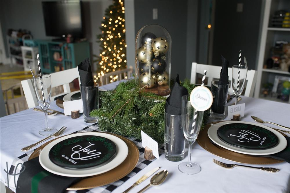 vinyl-christmas-table